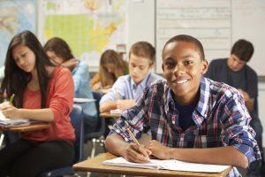 Becas para estudiantes sobresalientes del país